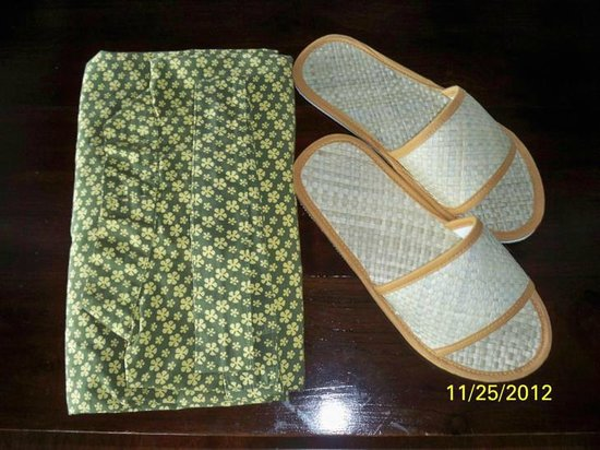 Bidadari Private Villas & Retreat: kimono and slippers