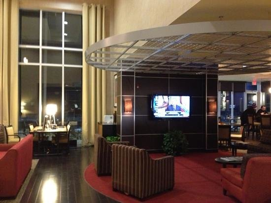 Cambria hotel & suites: lobby