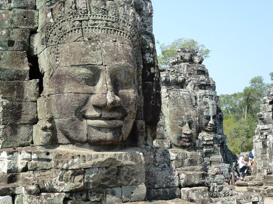โรงแรมเดอะ คูล: Angkor Wat near by - hire the guide through the hotel. Just great!