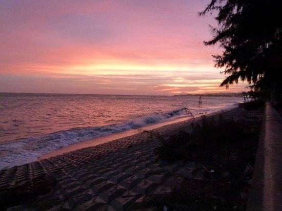 Tien Phat Beach Resort: Вид на Южно-Китайское море на закате