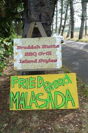 Bradduh Hutt: Roadside signage