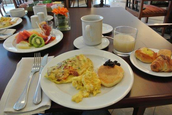 JW Marriott Hotel Quito: 朝食ビュッフェの一例です