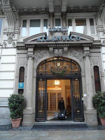 Hotel Atlantico: Eingang