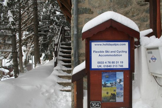 Hotel le Chamois: One nights snow