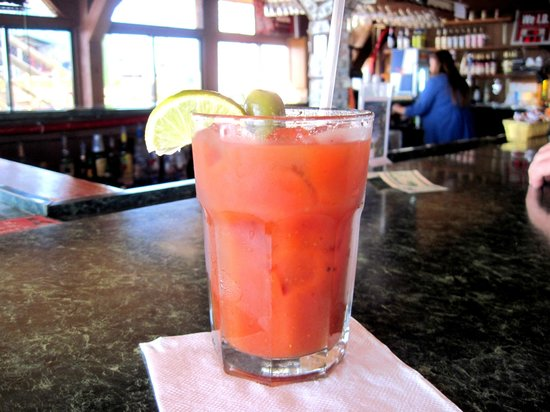 Sea Breeze: Tasty Bloody Mary at the bar
