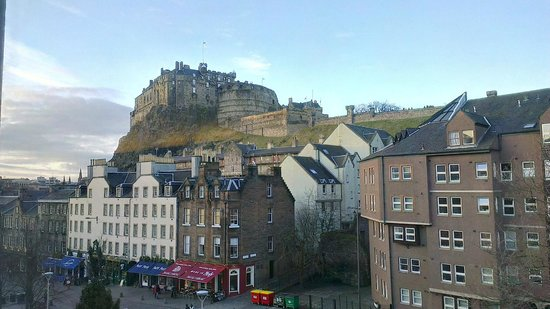 Apex City of Edinburgh Hotel: amazing view from our room