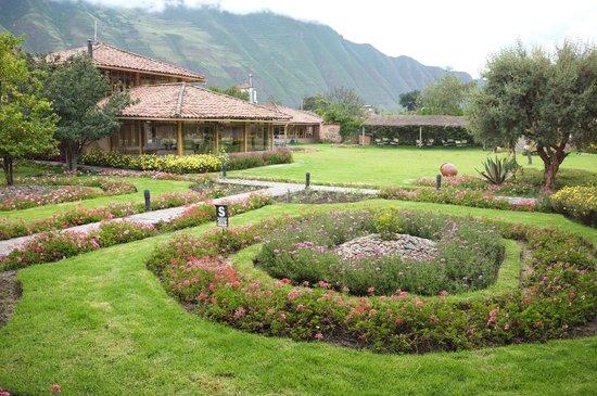 Hotel La Casona De Yucay Valle Sagrado: Vista de los jardines