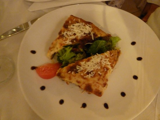 Almira Restaurant: Mussaka