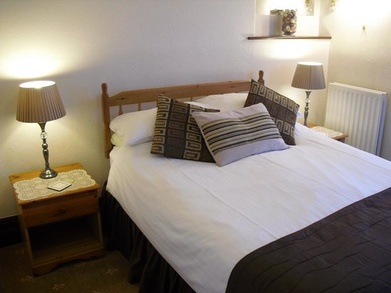 Fell House: Double Bedroom En-Suite