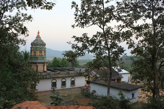 Karwar, Indien: View from the water tank above the temple