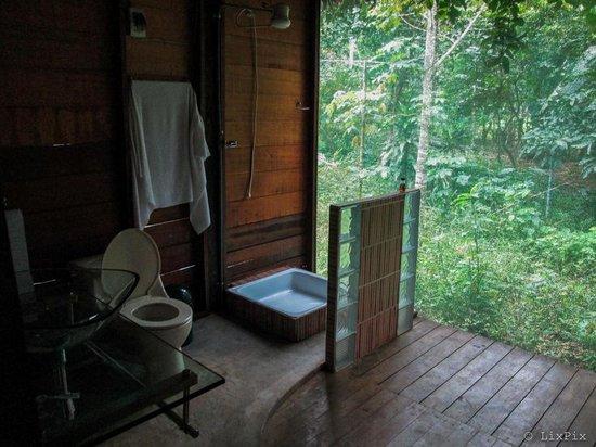 Ecoaldea Kapievi: My suite bathroom
