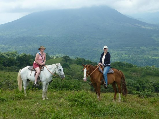 Arenal Lodge: personalized and easygoing horseback ride. Not a group thing.