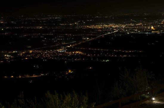 Agriturismo Le Mandrie di San Paolo: vista notturna dalla camera