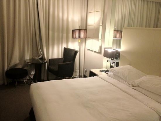 Centro Barsha: room size ok