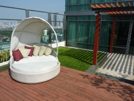 Sivatel Bangkok: The terrace of our suite
