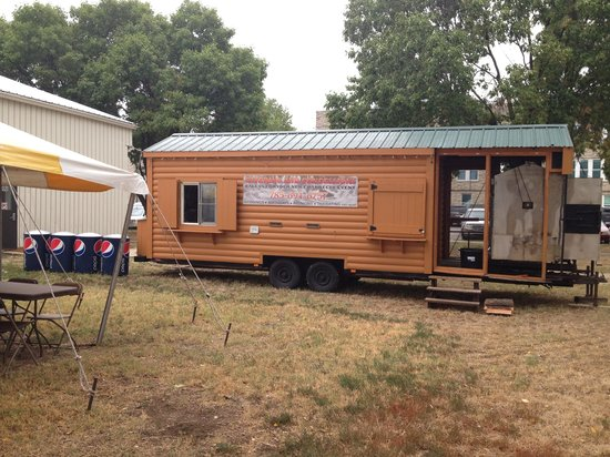 Moose's Backwoods BBQ: Moose's BBQ trailer