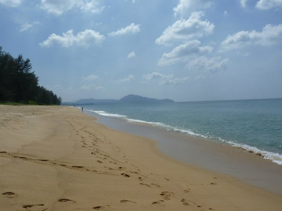 Holiday Inn Phuket Mai Khao Beach Resort: The stunning beach