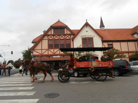 Solvang Trolley & Carriage : The Wagonette out on a winter day for a Caroling Ride