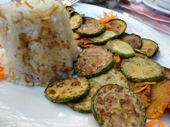 Al-Sahaby Lane Restaurant : Simple vegetable meal.