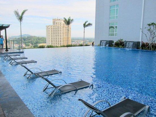 Hatten Hotel Melaka: プールです。
