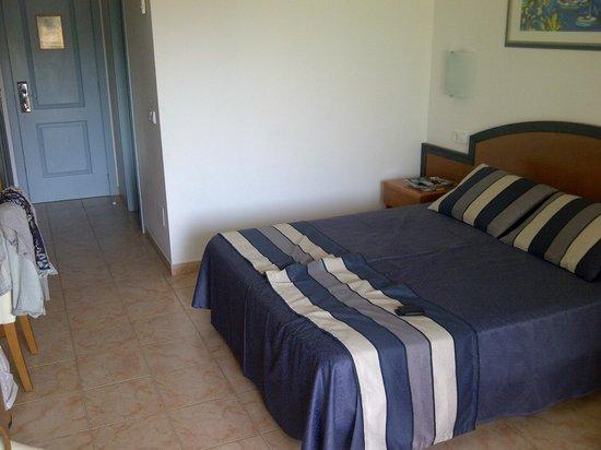 Hotel Apartamentos Princesa Playa: Our Room