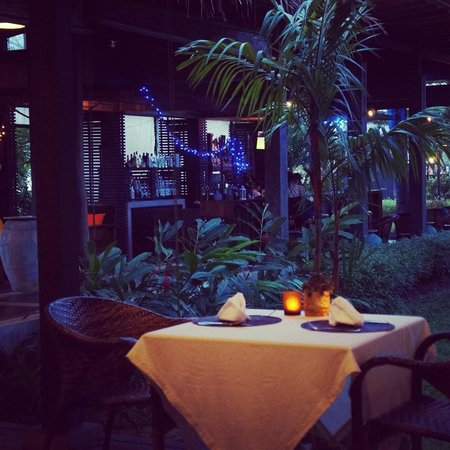 Islanda Hideaway Resort: Dining in the garden