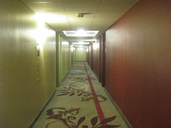 Doubletree by Hilton Chicago Magnificent Mile: Hallway