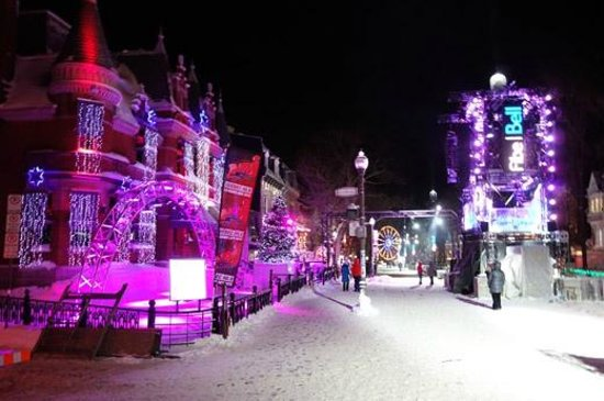 Unilofts Grande-Allée: Quebec City decked out for new year's - they know how to do it right