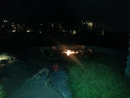 FireSky Resort & Spa: Fire Pits