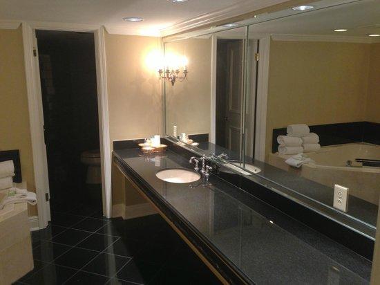 Bourbon Orleans Hotel: Vanity