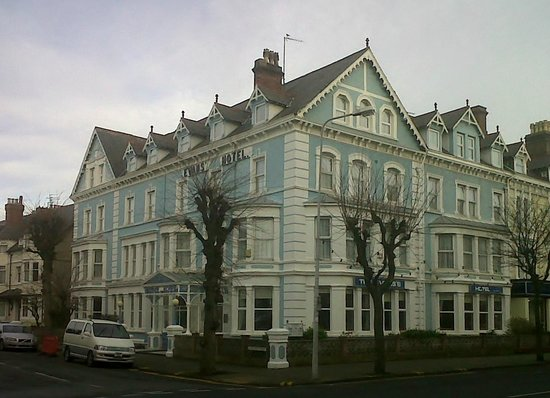 Evans Hotel Picture