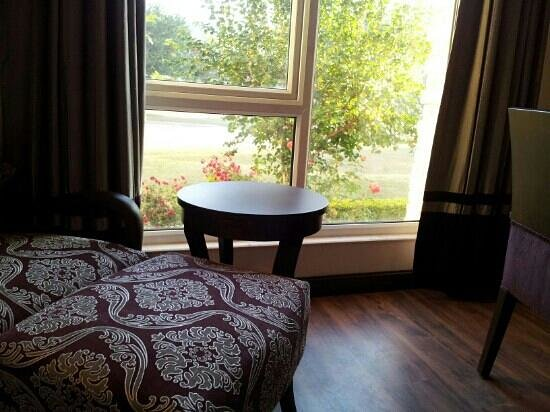 Country Inn & Suites By Carlson, Vaishno: suite1