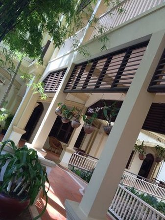Grand Sunset Angkor Hotel: the lush veranda