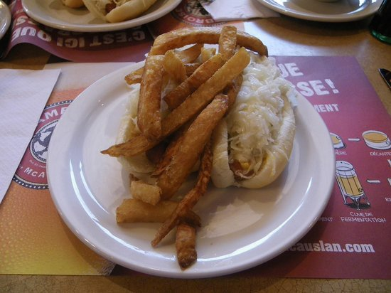 Green Spot Restaurant: Greenspot Restaurant: Hot Dogs with Fries on Top