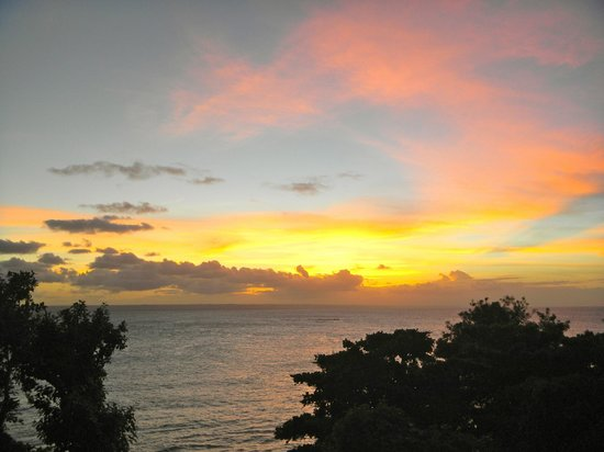 Luxury Bahia Principe Cayo Levantado: Sunset view from room 2104