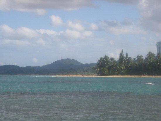 Playa Azul: Looking towards the east end of Playa Azul 