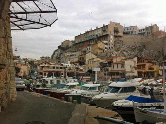 Pizzeria Chez Jeannot: Au fond du port : Chez Jeannot