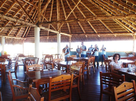 Hotel Pelicano: live music during meal time