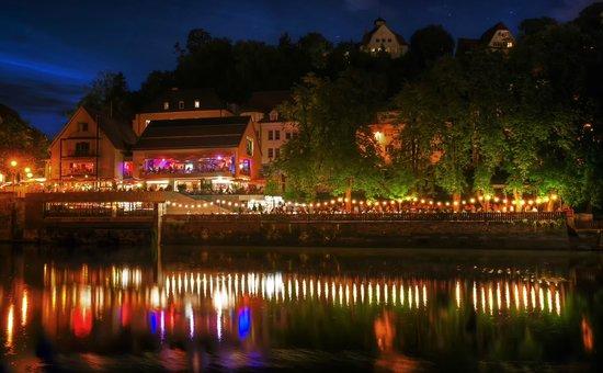 Neckarmuller : Laue Sommernacht am Neckarufer