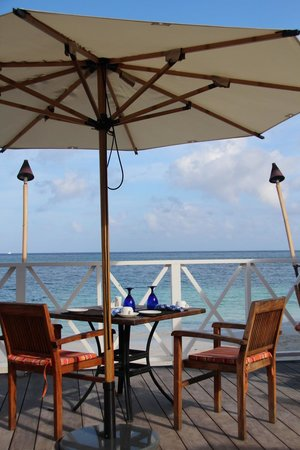 Sandals Montego Bay: Seaside Breakfast
