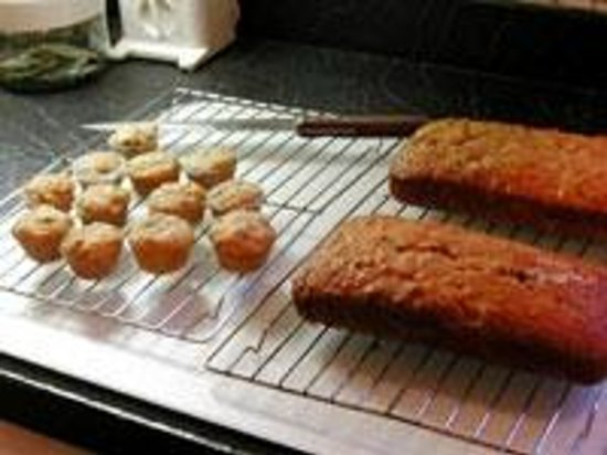 Clifford House Bed and Breakfast: Banana Bread