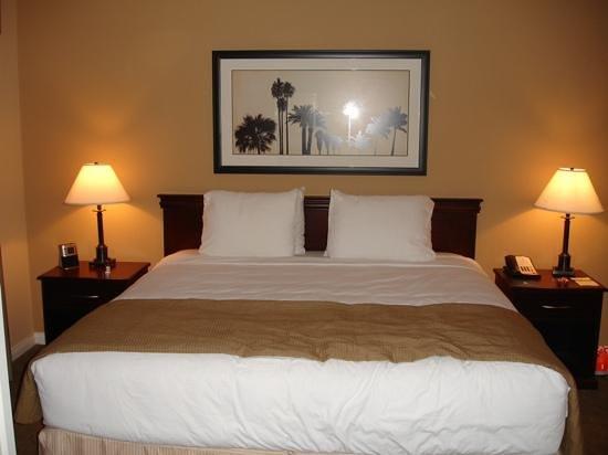 HYATT house Cypress/Anaheim : Bedroom