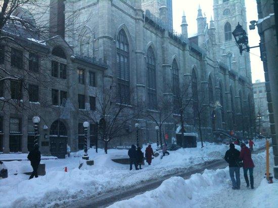 Le Saint-Sulpice: Rue St. Sulpice, record snowfall, Dec. 2012