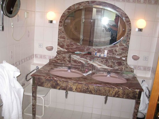 Hotel Brielhof : our room