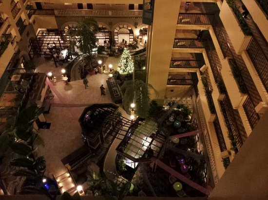 Embassy Suites by Hilton Raleigh - Crabtree: Main area