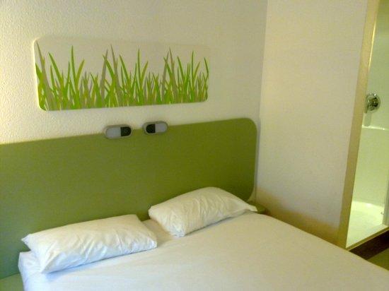 Hotel ibis budget Leeds Centre: Ibis Budget Leeds - Room view