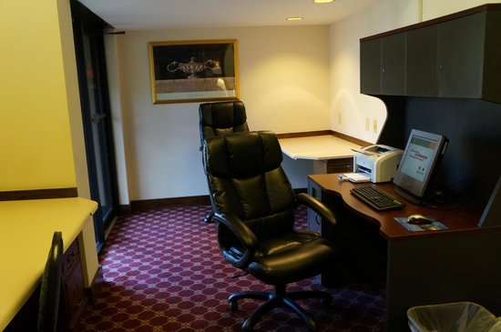 Huntsville Marriott: Business Center