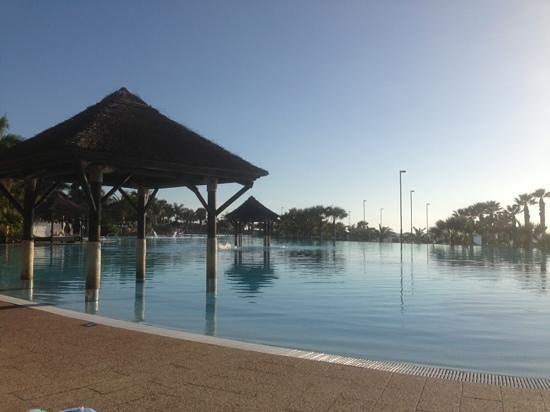 Gran Melia Palacio de Isora Resort & Spa: Europas största pool