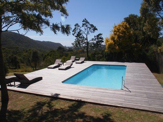 Piesang Valley Lodge: Pool mit wundervollem Ausblick