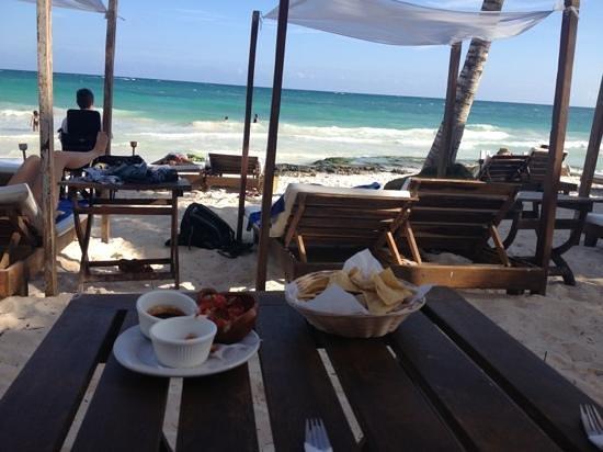Ana y Jose Beach Club: beach club